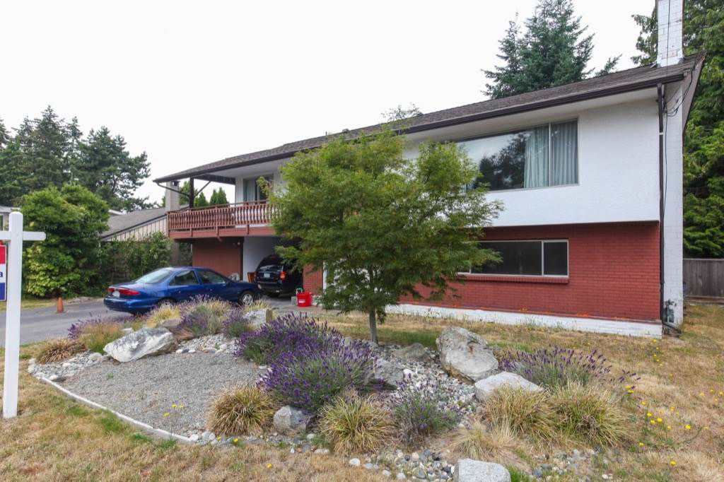"""Main Photo: 5775 16 Avenue in Delta: Beach Grove House for sale in """"Beach Grove"""" (Tsawwassen)  : MLS®# R2317249"""