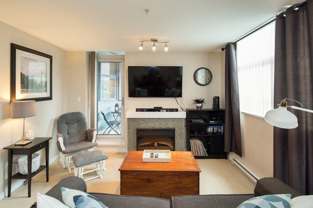 """Main Photo: 301 2225 HOLDOM Avenue in Burnaby: Central BN Condo for sale in """"LEGACY TOWERS"""" (Burnaby North)  : MLS®# R2329994"""