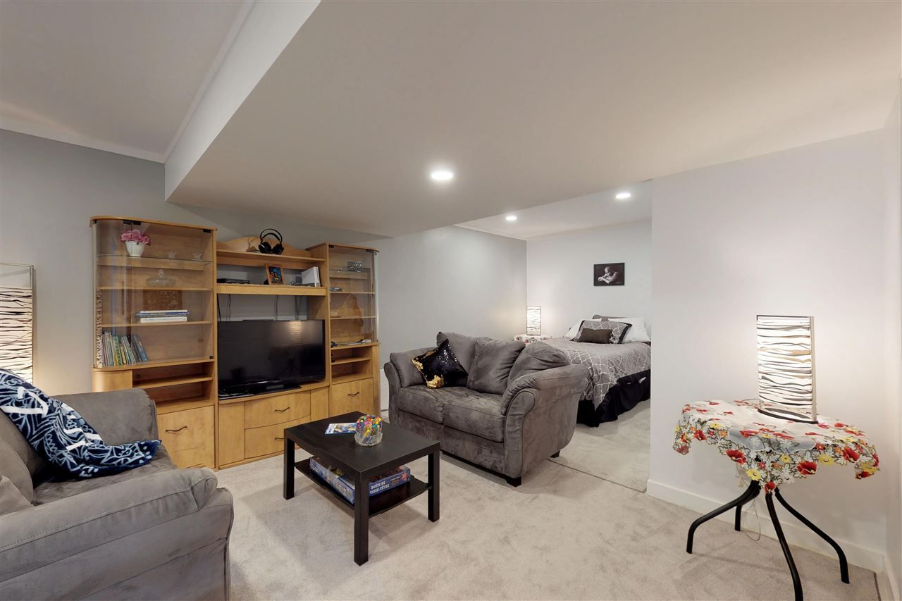 Photo 20: Photos: 151 SPRUCE GARDENS Crescent: Spruce Grove House Half Duplex for sale : MLS®# E4141899