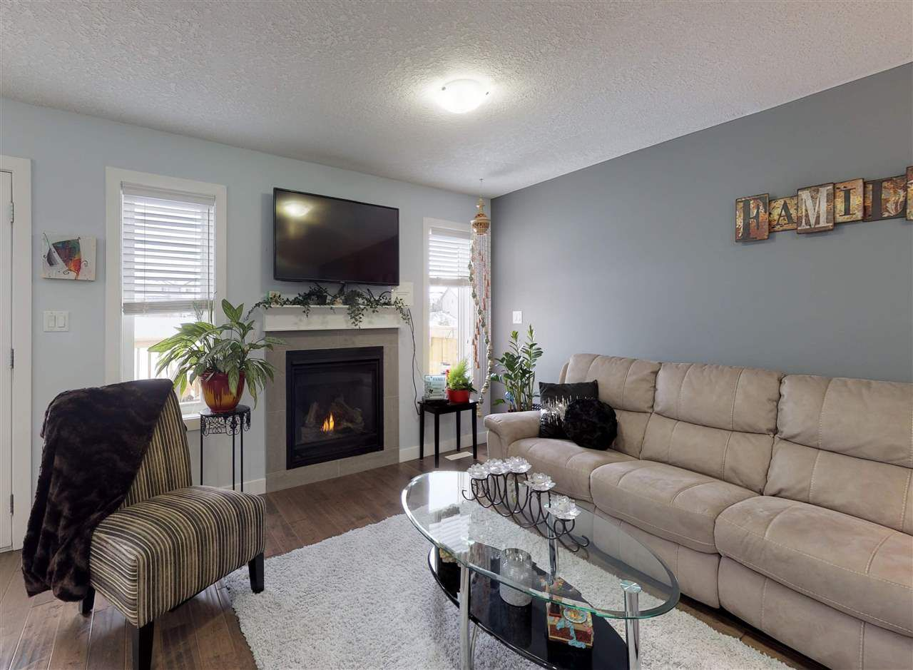 Photo 2: Photos: 151 SPRUCE GARDENS Crescent: Spruce Grove House Half Duplex for sale : MLS®# E4141899