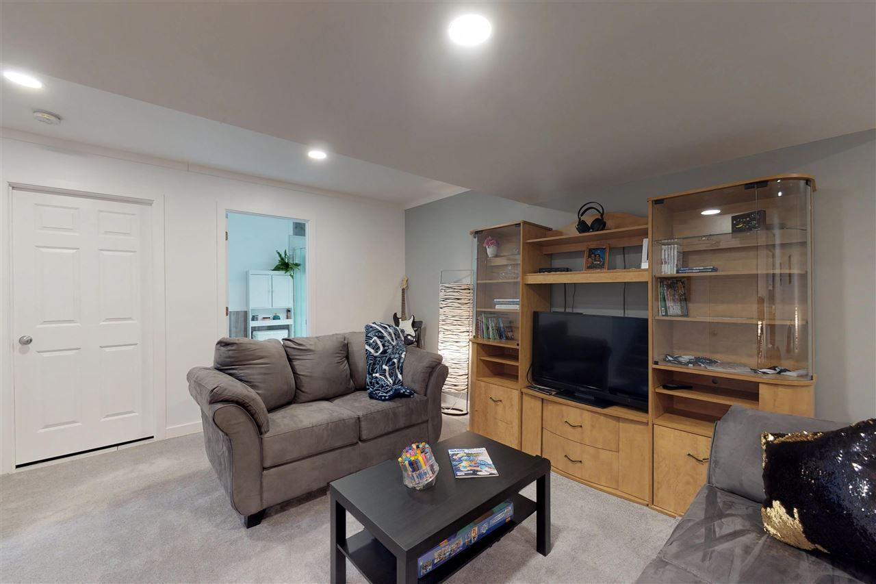 Photo 19: Photos: 151 SPRUCE GARDENS Crescent: Spruce Grove House Half Duplex for sale : MLS®# E4141899