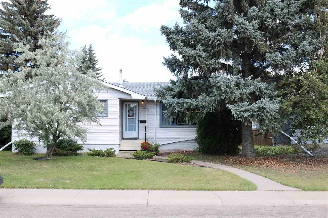 Main Photo: 15624 83 Avenue in Edmonton: Zone 22 House for sale : MLS®# E4142492