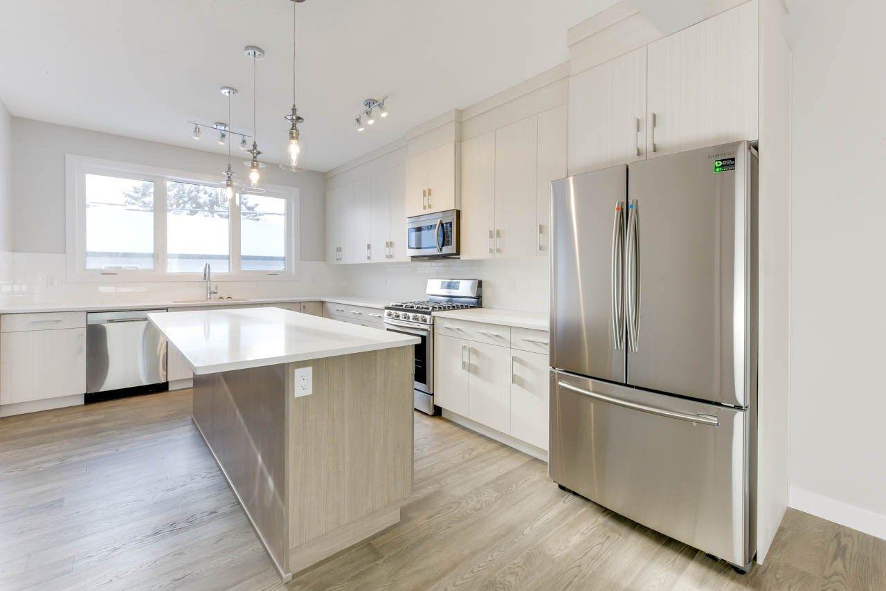 Main Photo: 10518 76 Street in Edmonton: Zone 19 House Half Duplex for sale : MLS®# E4142876