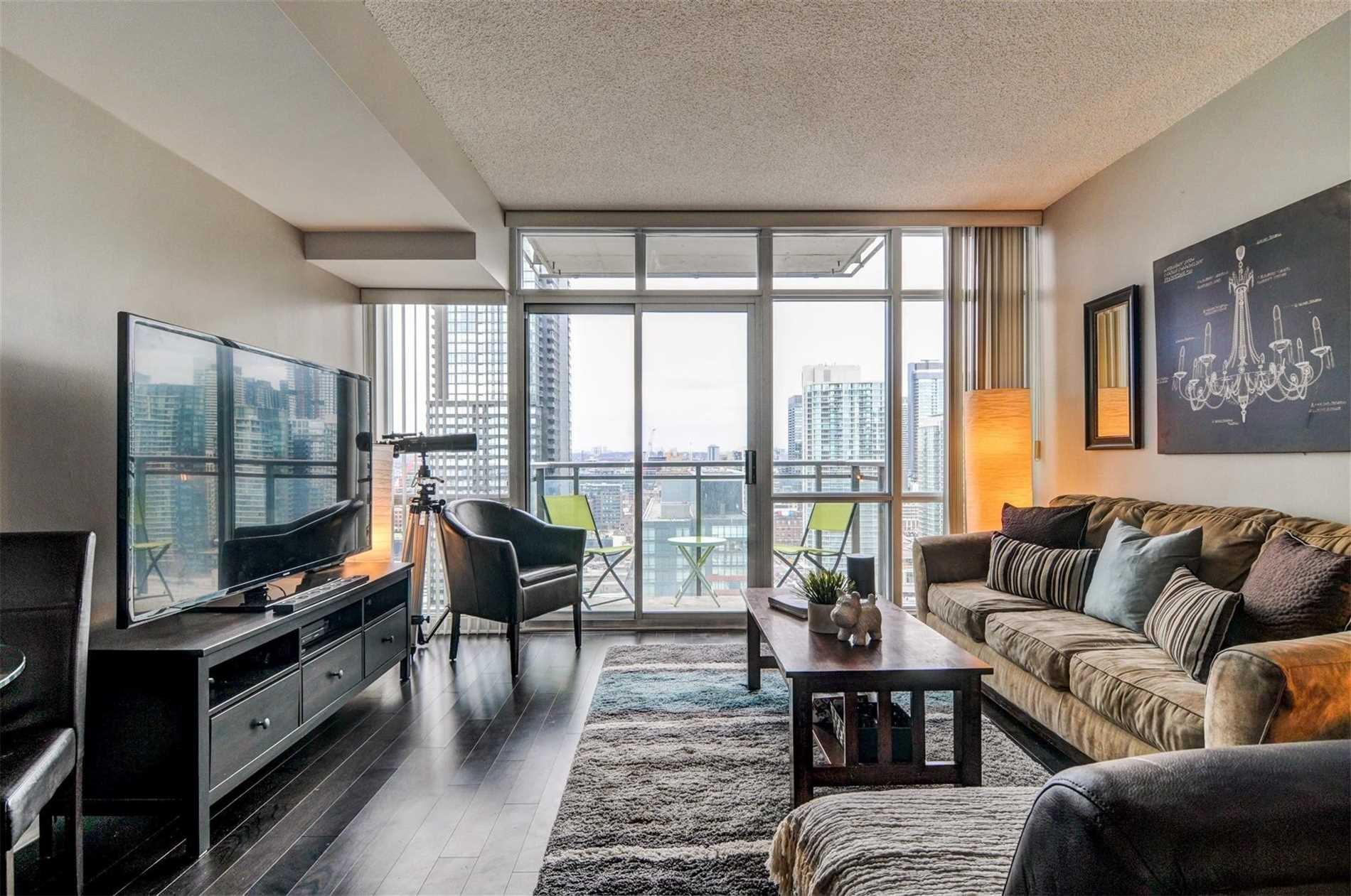 Main Photo: 2805 11 Brunel Court in Toronto: Waterfront Communities C1 Condo for sale (Toronto C01)  : MLS®# C4381555