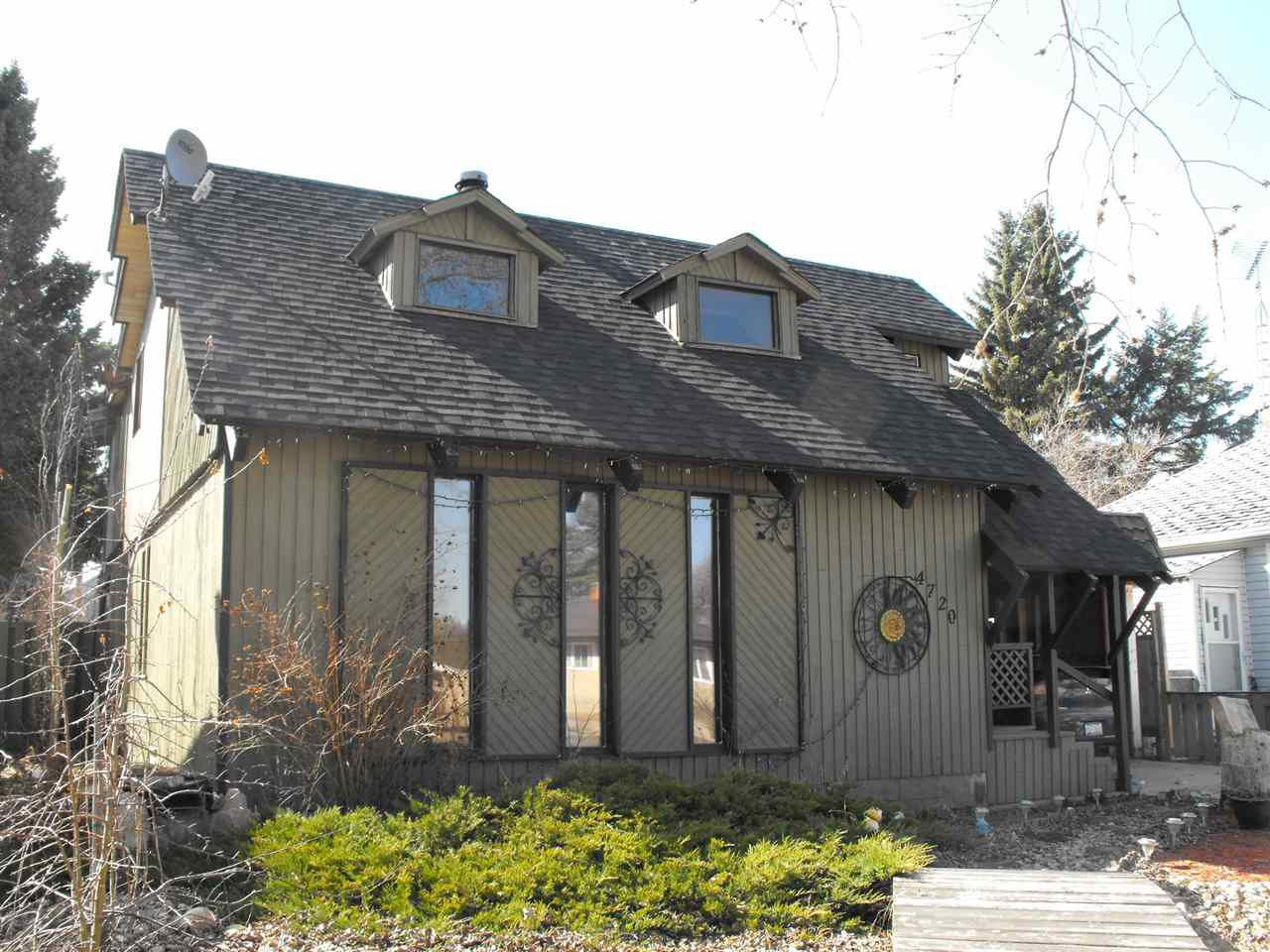 Main Photo: 4720 49 Street: Myrnam House for sale : MLS®# E4154759