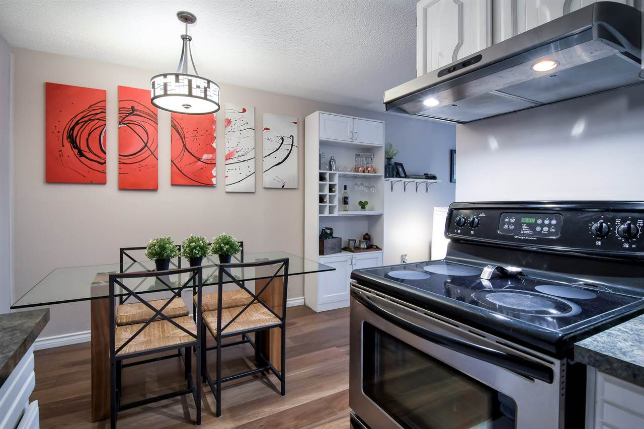 "Main Photo: 310 466 E EIGHTH Avenue in New Westminster: Sapperton Condo for sale in ""Park Villa"" : MLS®# R2371604"