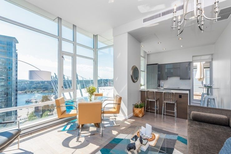 """Main Photo: PH 2702 161 W GEORGIA Street in Vancouver: Downtown VW Condo for sale in """"COSMO BY CONCORD PACIFIC"""" (Vancouver West)  : MLS®# R2378643"""