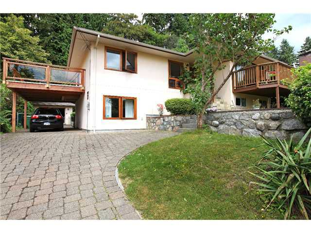 Main Photo: 318 W ROCKLAND Road in North Vancouver: Upper Lonsdale House for sale : MLS®# V901430