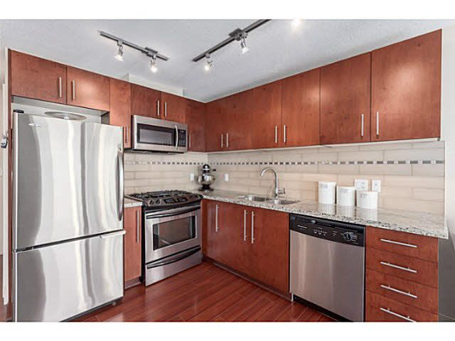 "Main Photo: 805 8280 LANSDOWNE Road in Richmond: Brighouse Condo for sale in ""VERSANTE"" : MLS®# V1124089"
