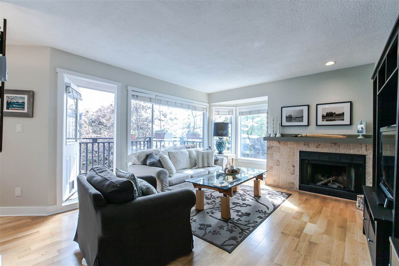 Main Photo: 8676 SW MARINE Drive in Vancouver: Marpole Townhouse for sale (Vancouver West)  : MLS®# R2061352