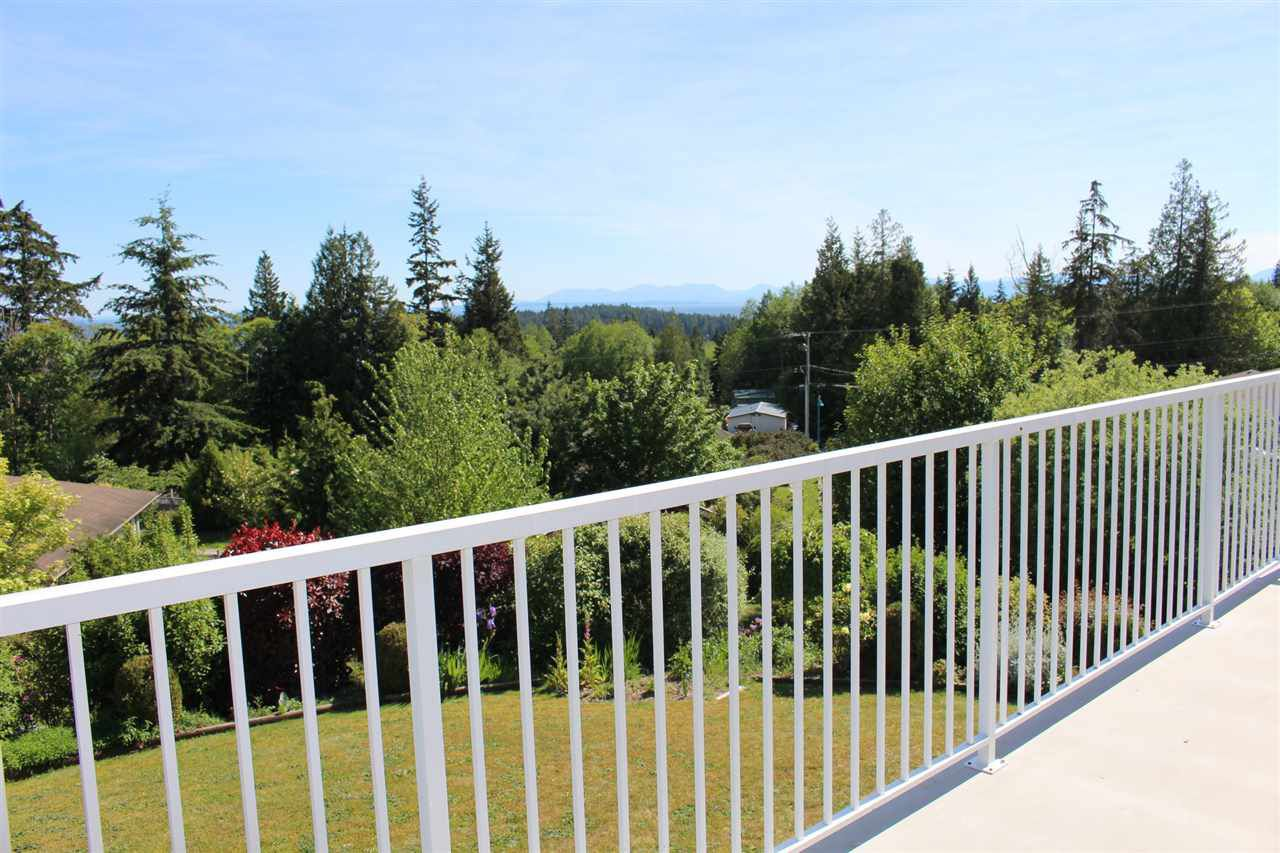 "Photo 4: Photos: 6225 SUNRISE Boulevard in Sechelt: Sechelt District House for sale in ""WEST SECHELT"" (Sunshine Coast)  : MLS®# R2067064"