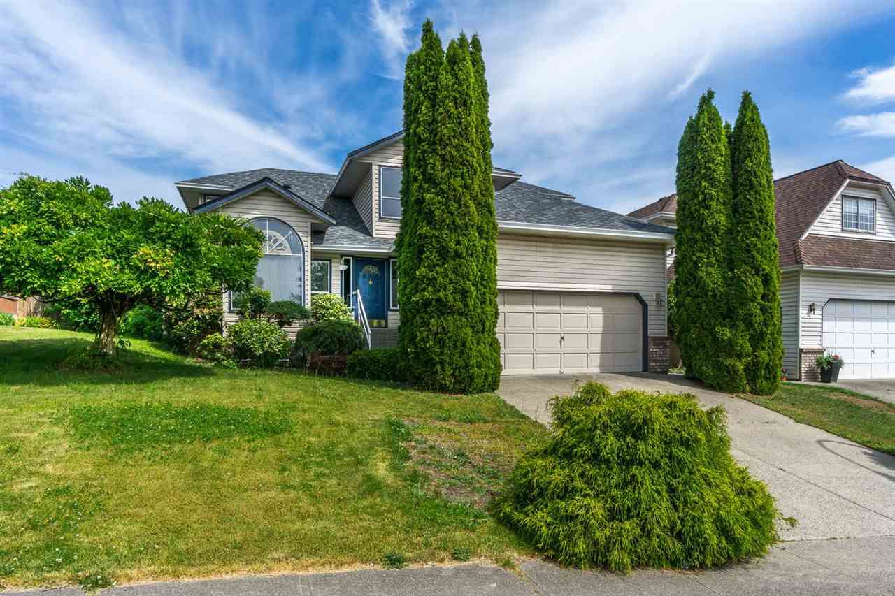 Main Photo: 2845 CROSSLEY Drive in Abbotsford: Abbotsford West House for sale : MLS®# R2077126