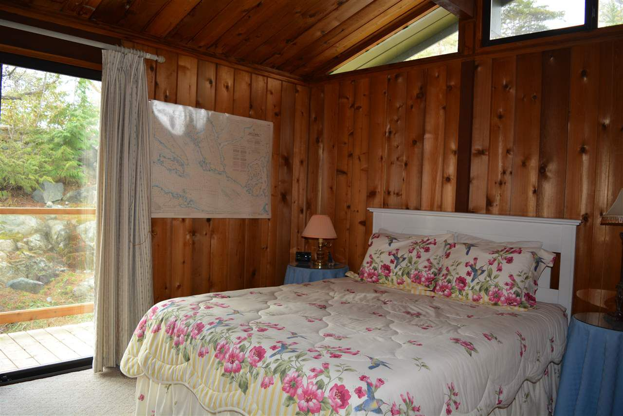 Photo 11: Photos: 5004 SHERMAN Lane in Halfmoon Bay: Halfmn Bay Secret Cv Redroofs House for sale (Sunshine Coast)  : MLS®# R2138496