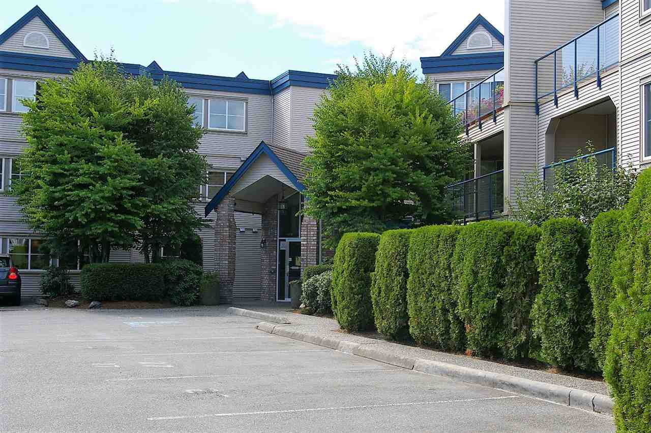 """Main Photo: 202 45504 MCINTOSH Drive in Chilliwack: Chilliwack W Young-Well Condo for sale in """"Vista View"""" : MLS®# R2209228"""