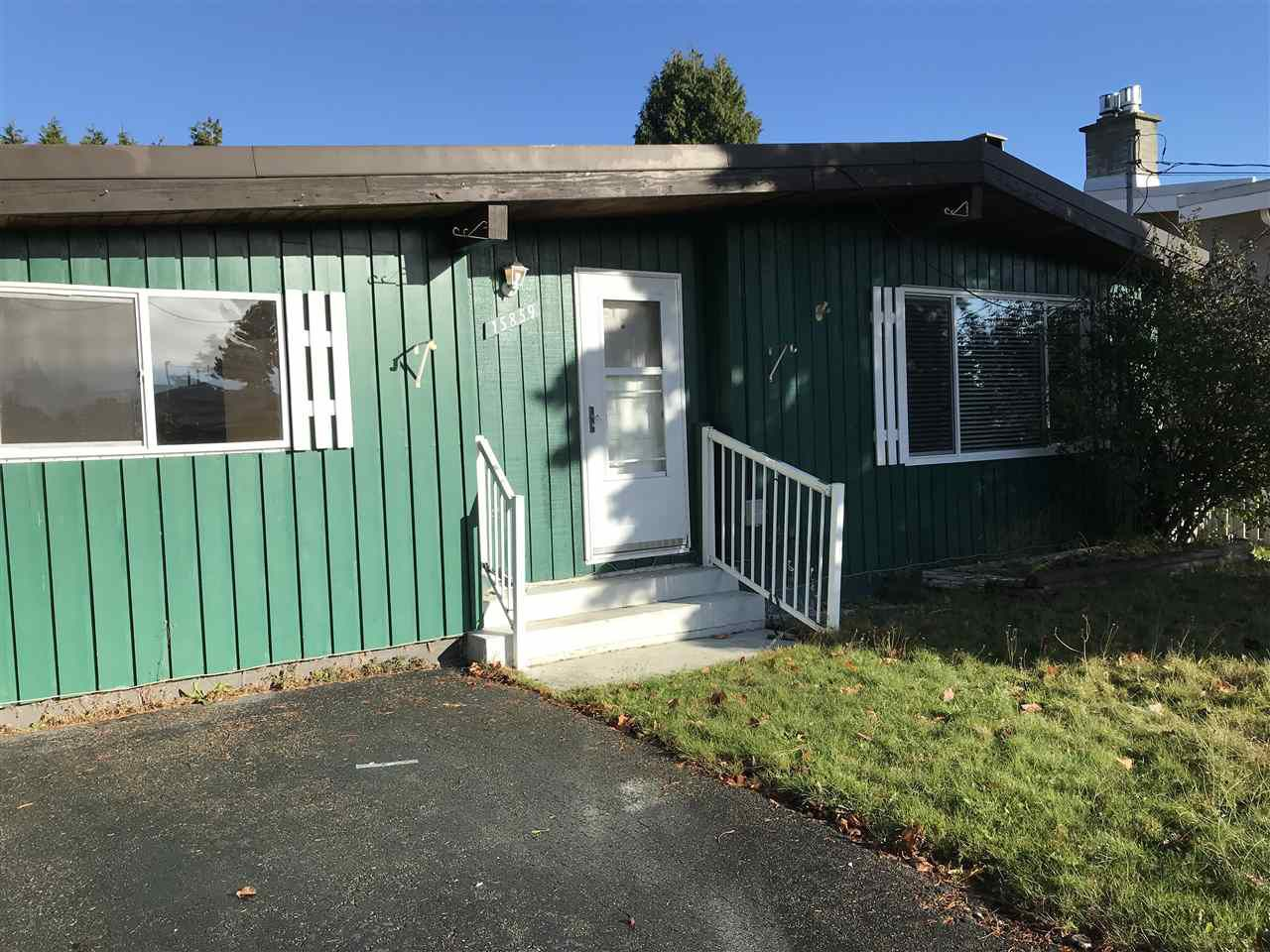 """Photo 2: Photos: 15859 THRIFT Avenue: White Rock House for sale in """"White Rock"""" (South Surrey White Rock)  : MLS®# R2220457"""