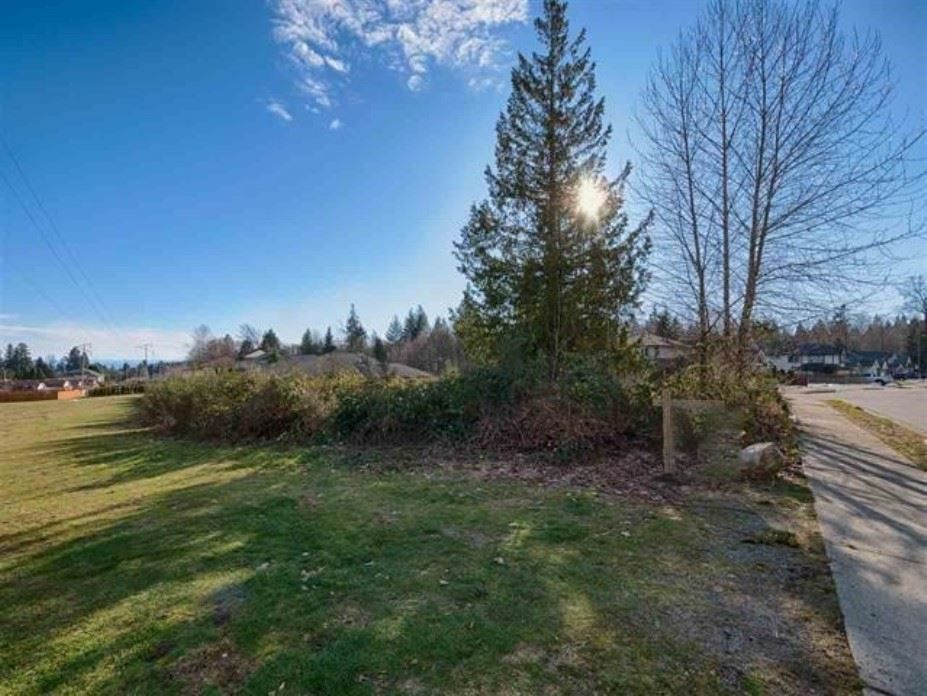 "Main Photo: Lot 40 AURORA Way in Gibsons: Gibsons & Area Home for sale in ""AURORA ESTATES"" (Sunshine Coast)  : MLS®# R2243908"
