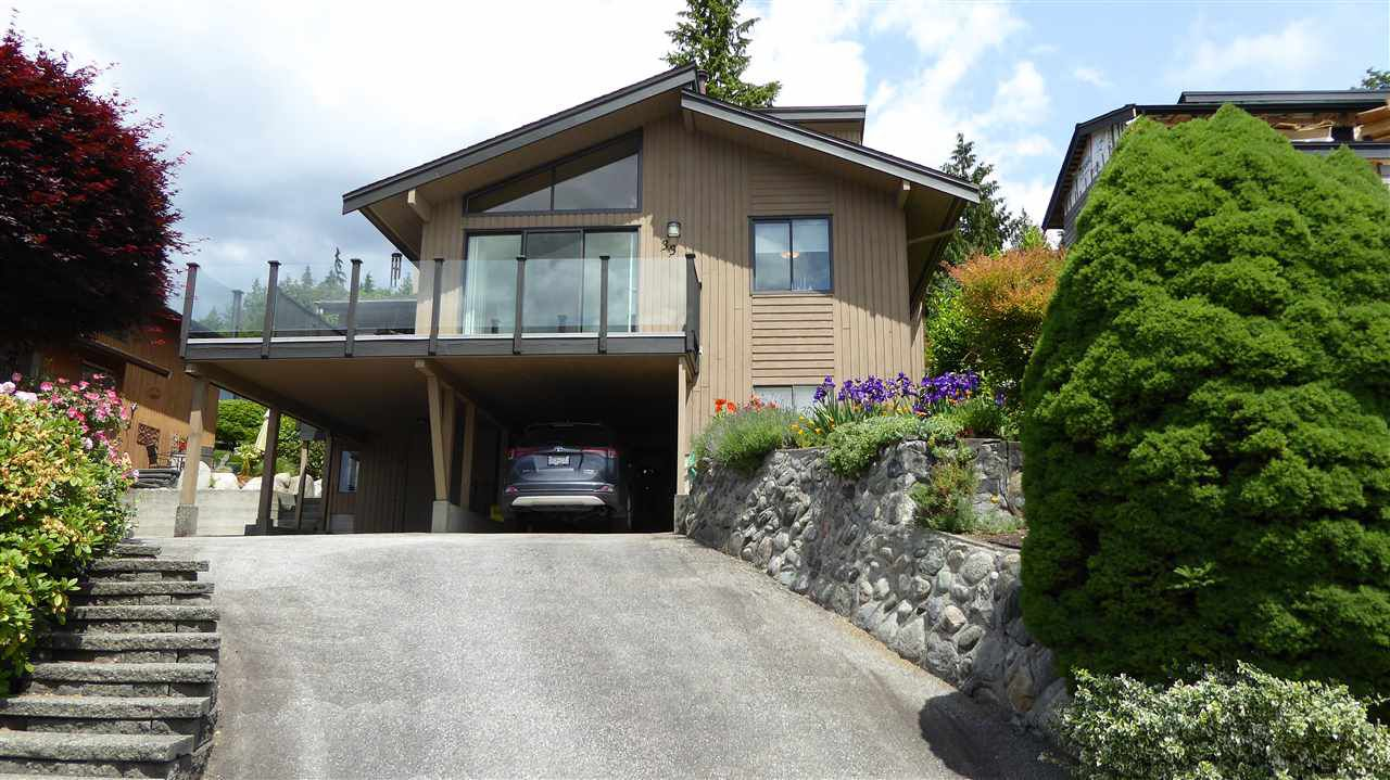 "Main Photo: 33 BEDINGFIELD Street in Port Moody: Barber Street House for sale in ""BARBER STREET"" : MLS®# R2275069"