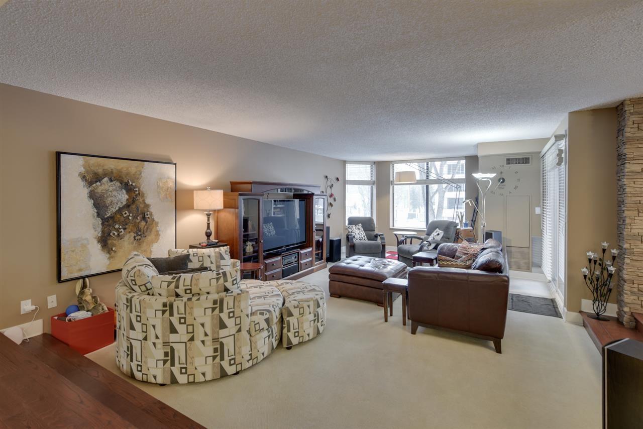 Photo 2: Photos: 205 11503 100 Avenue in Edmonton: Zone 12 Condo for sale : MLS®# E4155047