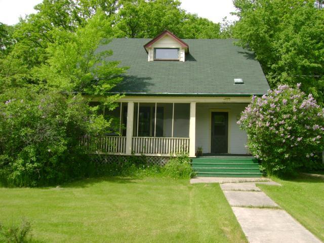 Main Photo: 35 RIVER Avenue in STARBUCK: Brunkild / La Salle / Oak Bluff / Sanford / Starbuck / Fannystelle Residential for sale (Winnipeg area)  : MLS®# 1108234