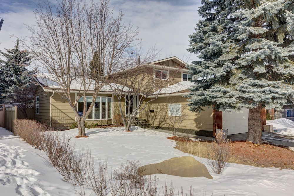 Main Photo: 9223 29 Street SW in CALGARY: Residential Detached Single Family for sale (Calgary)  : MLS®# C3602411