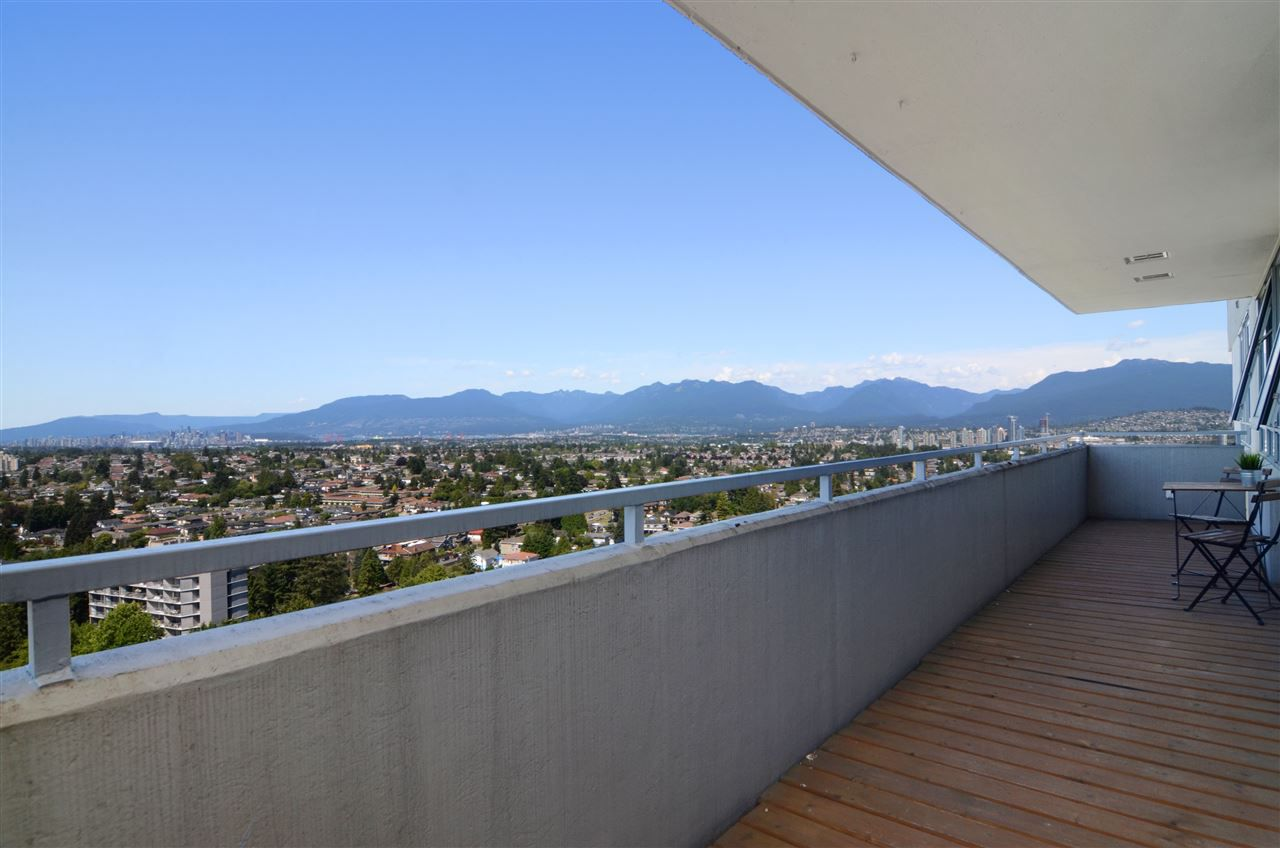 """Main Photo: 2104 5652 PATTERSON Avenue in Burnaby: Central Park BS Condo for sale in """"CENTRAL PARK PLACE"""" (Burnaby South)  : MLS®# R2096652"""