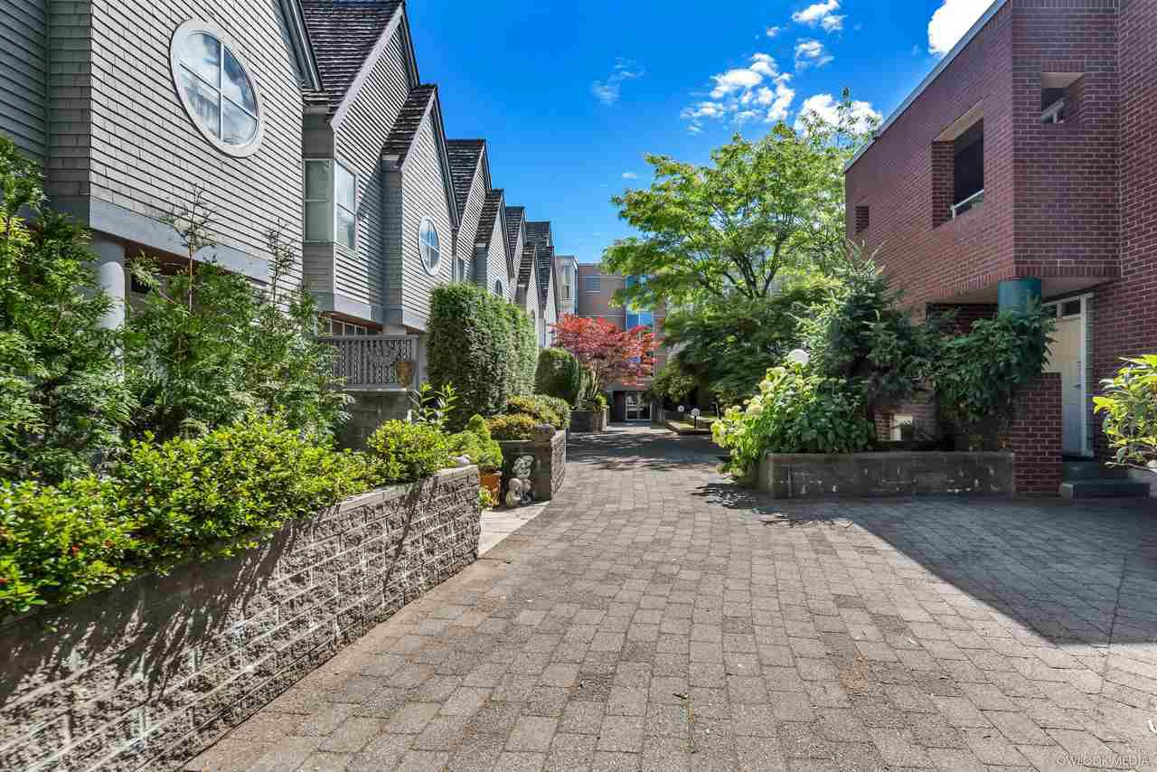 "Main Photo: 310 7168 OAK Street in Vancouver: South Cambie Condo for sale in ""COBBLE LANE"" (Vancouver West)  : MLS®# R2286669"