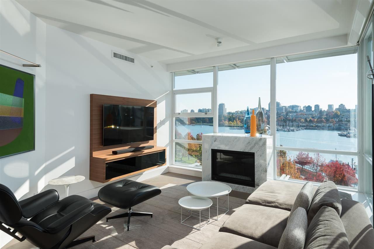 "Main Photo: 802 633 KINGHORNE Mews in Vancouver: Yaletown Condo for sale in ""ICON II"" (Vancouver West)  : MLS®# R2372163"