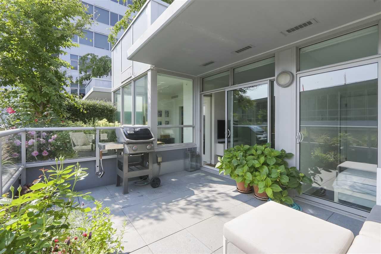 "Main Photo: 613 108 E 1ST Avenue in Vancouver: Mount Pleasant VE Condo for sale in ""MECCANICA"" (Vancouver East)  : MLS®# R2374763"
