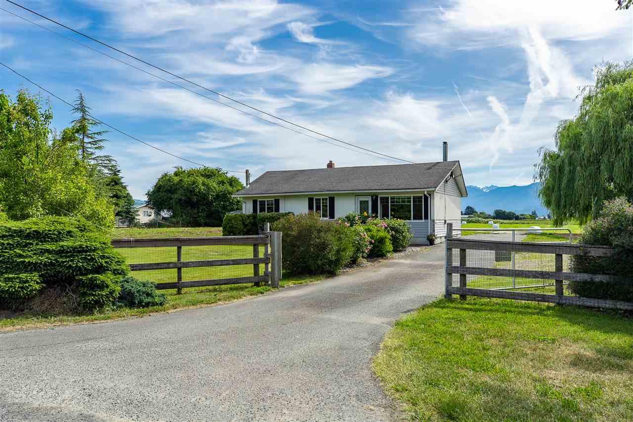 Main Photo: 6228 BLACKBURN Road in Sardis - Greendale: Greendale Chilliwack House for sale (Sardis)  : MLS®# R2380224