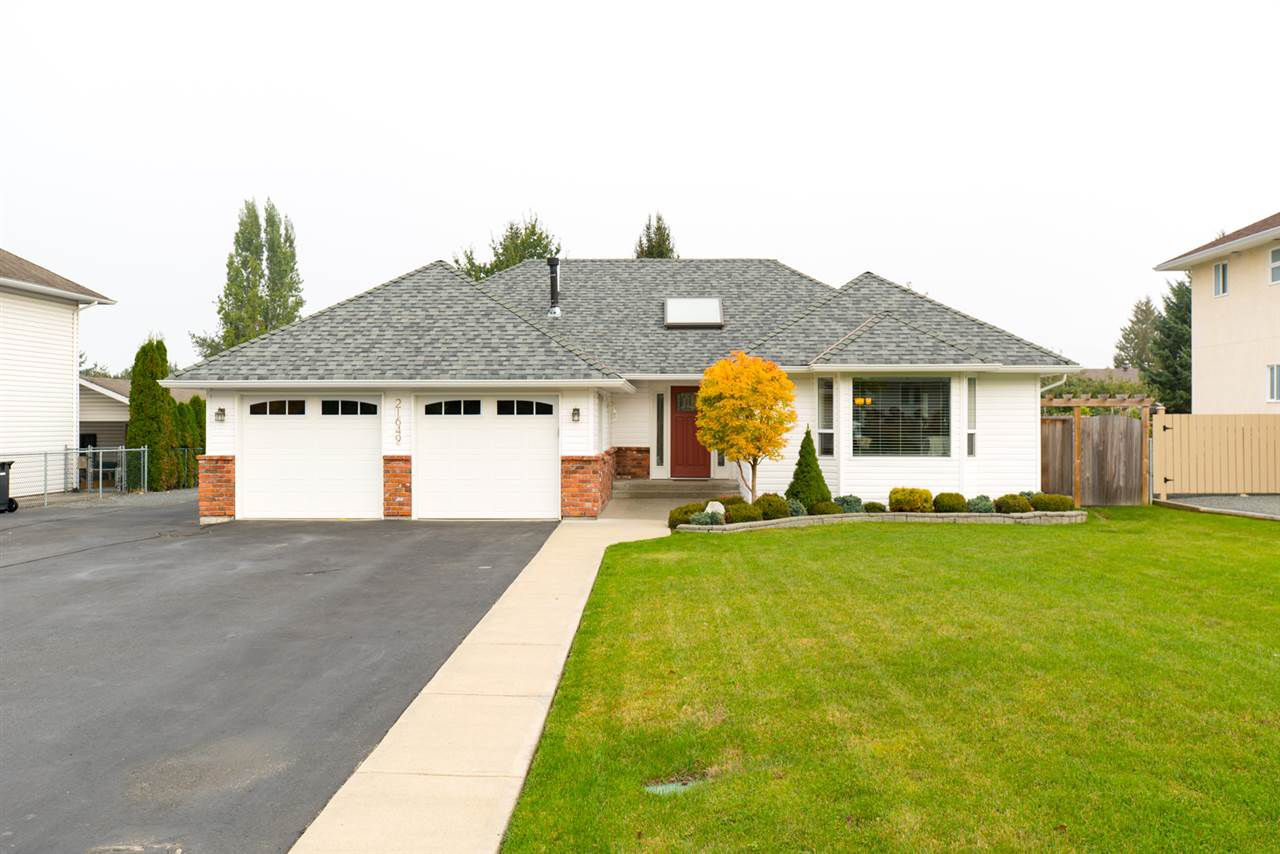 "Main Photo: 21649 49A Avenue in Langley: Murrayville House for sale in ""Murrayville"" : MLS®# R2112857"