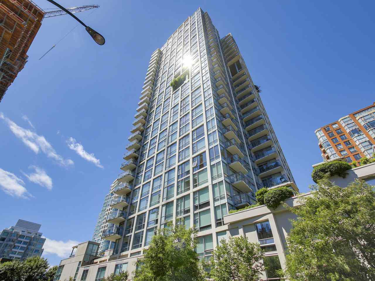 "Main Photo: 1004 1455 HOWE Street in Vancouver: Yaletown Condo for sale in ""POMARIA"" (Vancouver West)  : MLS®# R2181127"