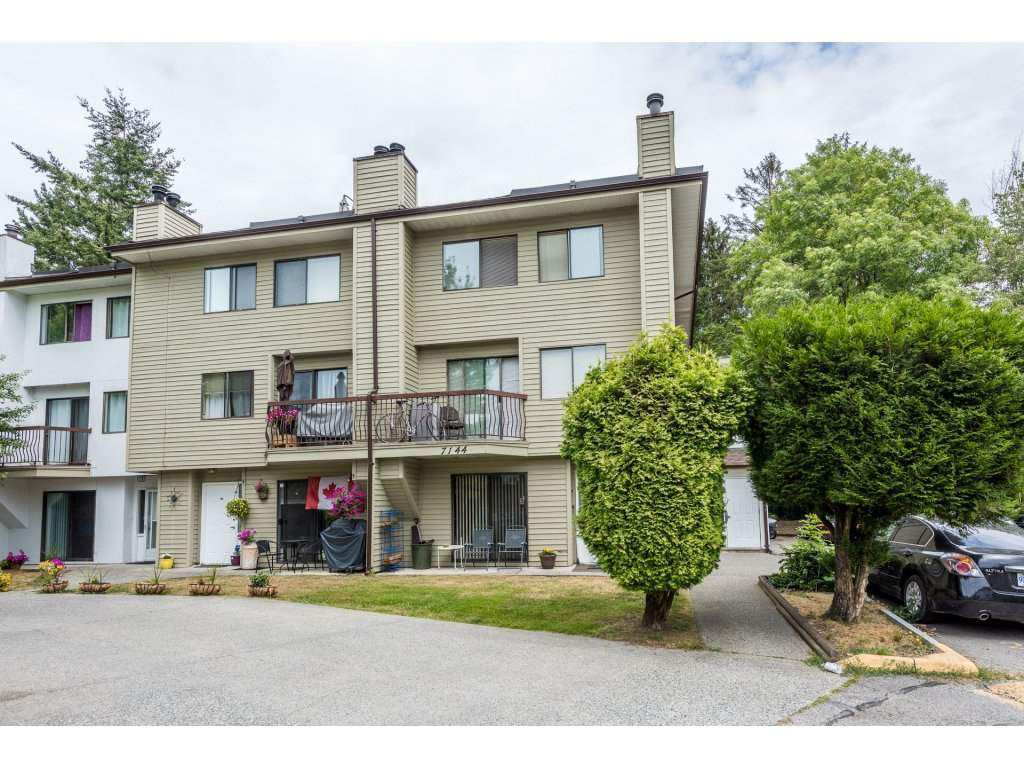 Main Photo: 207 7144 133B Street in Surrey: West Newton Townhouse for sale : MLS®# R2187497