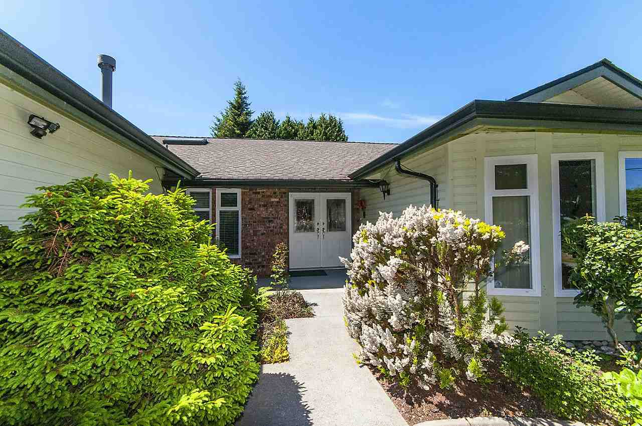 Main Photo: 379 54TH STREET in Tsawwassen: Pebble Hill House for sale : MLS®# R2171453