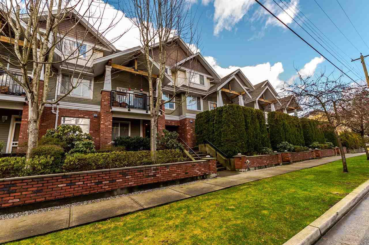 "Main Photo: 112 1567 GRANT Avenue in Port Coquitlam: Glenwood PQ Condo for sale in ""The Grant"" : MLS®# R2234051"