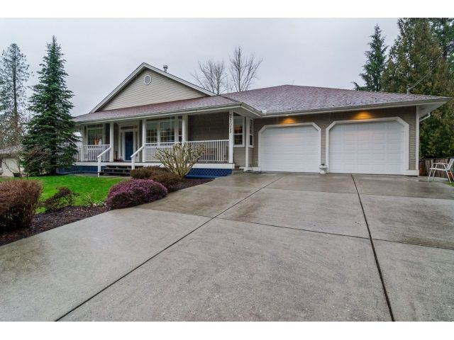 Main Photo: 21029 YEOMANS CRESCENT in : Walnut Grove House for sale (Langley)  : MLS®# R2036876
