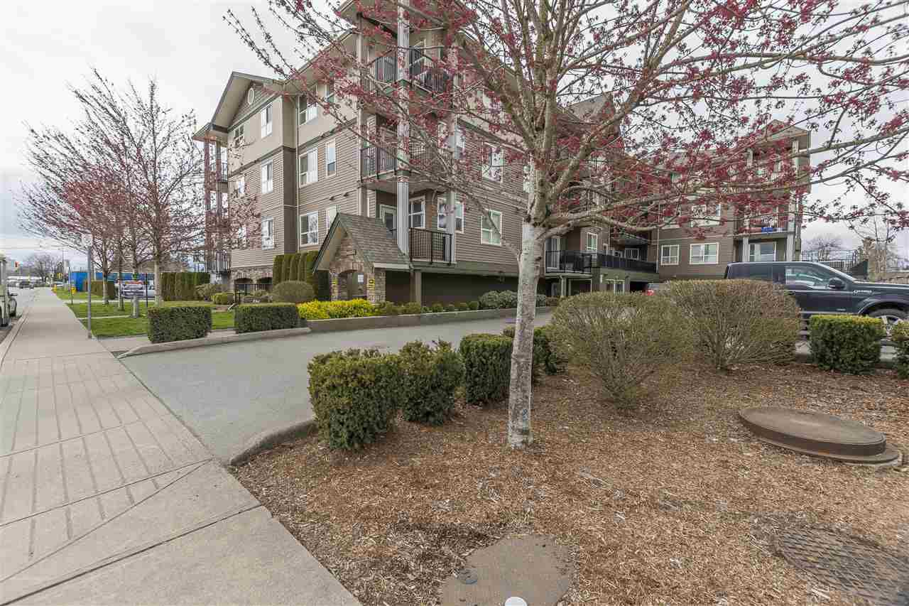 Main Photo: 304 46053 CHILLIWACK CENTRAL Road in Chilliwack: Chilliwack E Young-Yale Condo for sale : MLS®# R2253425