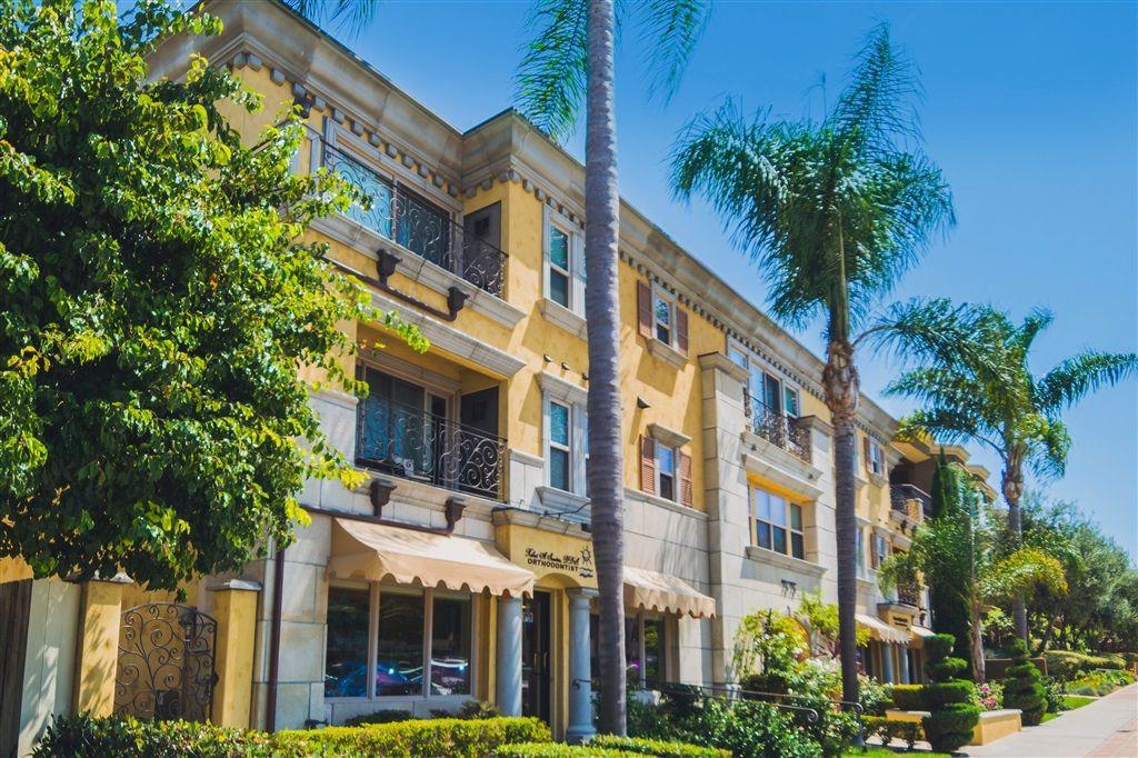 Main Photo: LA JOLLA Condo for sale : 2 bedrooms : 7575 Eads Ave #205