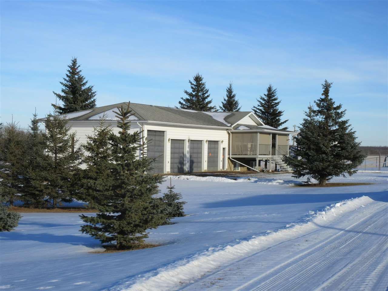 Main Photo: 57517 RR 220: Rural Sturgeon County House for sale : MLS®# E4136175