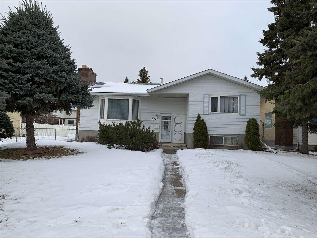 Main Photo: 8711 182 Street in Edmonton: Zone 20 House for sale : MLS®# E4143359