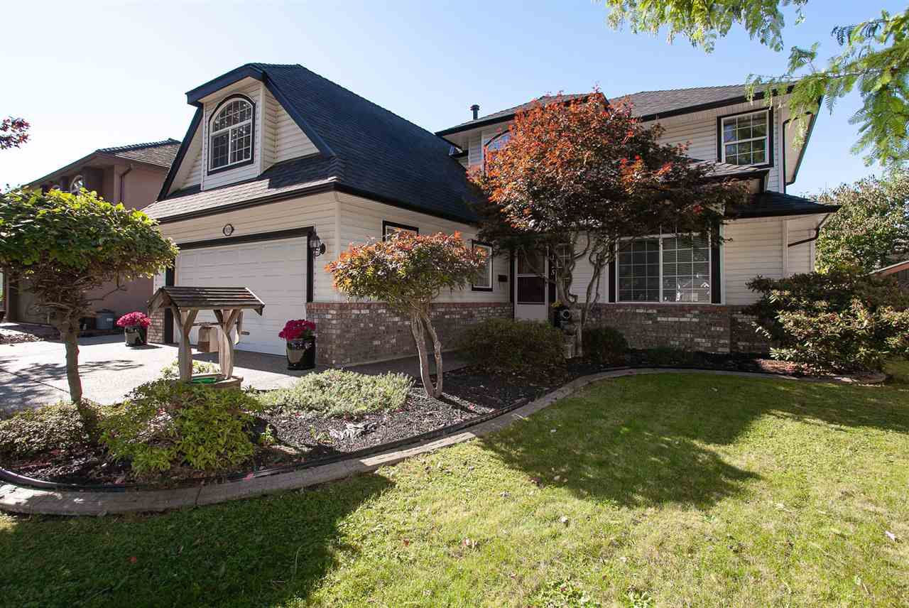 """Main Photo: 9125 207B Street in Langley: Walnut Grove House for sale in """"Greenwood Estates - Central Walnut Grove"""" : MLS®# R2354979"""