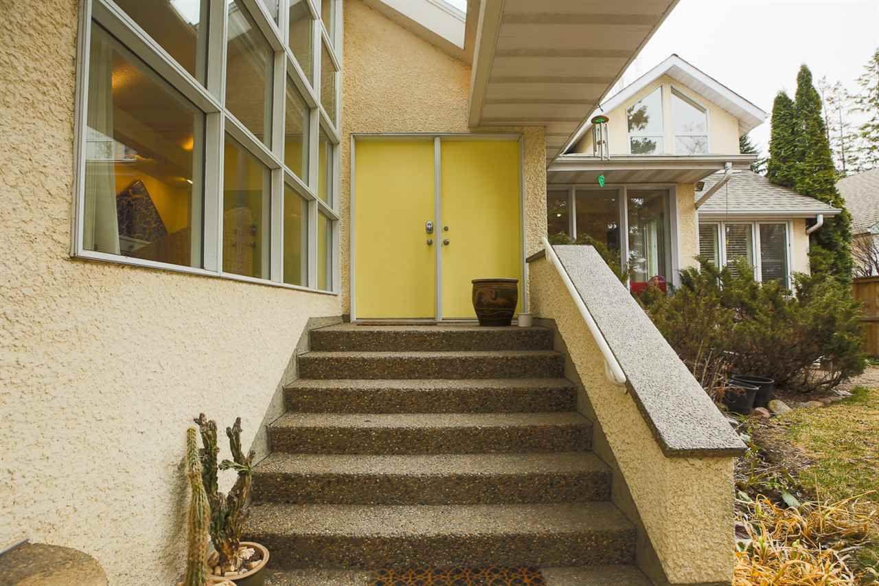 Photo 2: Photos: 10025 143 Street in Edmonton: Zone 21 House for sale : MLS®# E4153457
