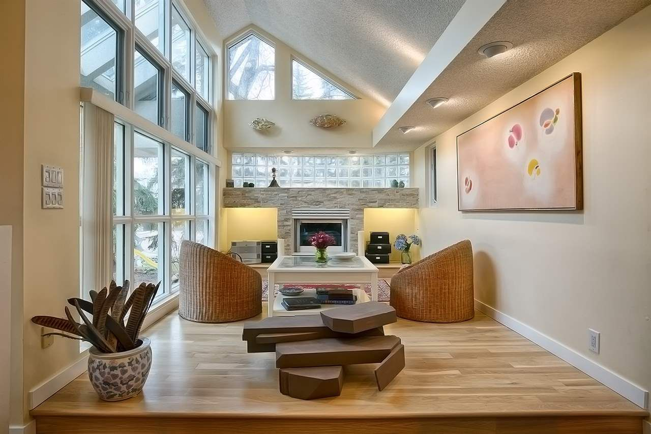 Photo 4: Photos: 10025 143 Street in Edmonton: Zone 21 House for sale : MLS®# E4153457