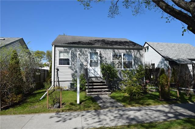 Main Photo: 697 Bannerman Avenue in Winnipeg: North End Residential for sale (4C)  : MLS®# 1914028