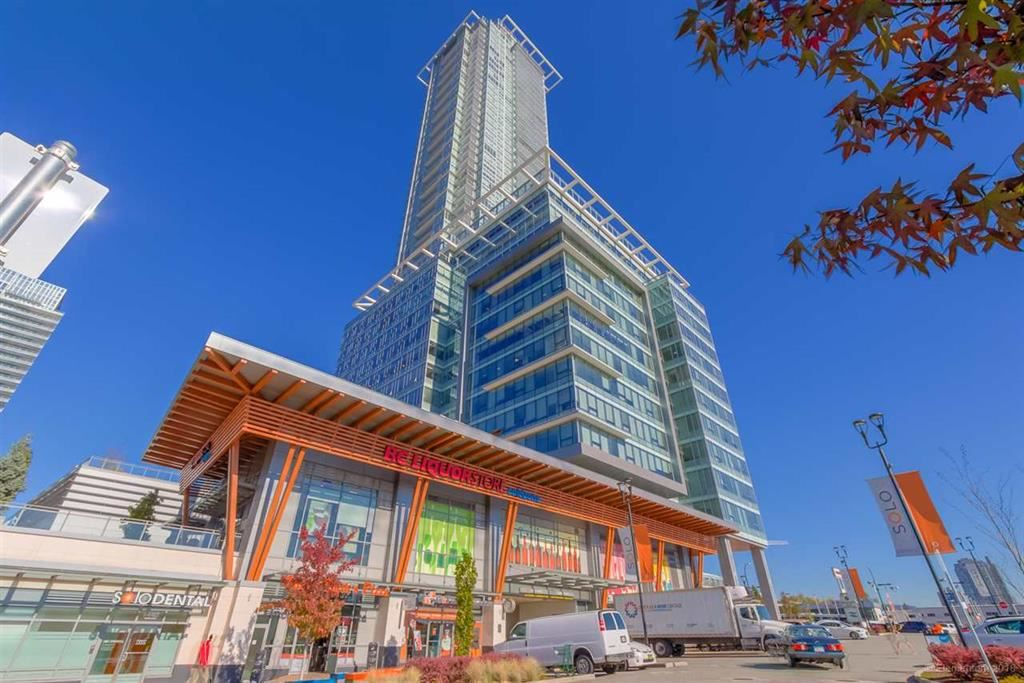 """Main Photo: 4308 4485 SKYLINE Drive in Burnaby: Brentwood Park Condo for sale in """"SOLO"""" (Burnaby North)  : MLS®# R2376280"""