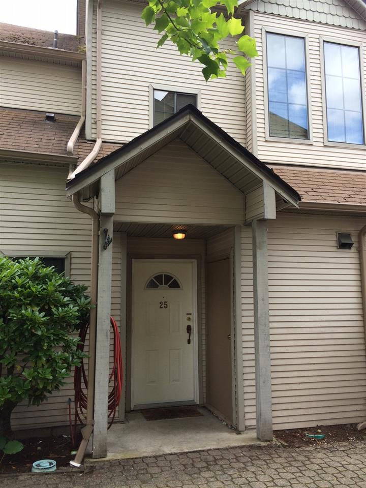"""Main Photo: 25 98 BEGIN Street in Coquitlam: Maillardville Townhouse for sale in """"Le Parc"""" : MLS®# R2110510"""