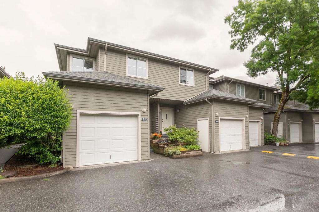 Main Photo: 48 40200 GOVERNMENT Road in Squamish: Garibaldi Estates Townhouse for sale : MLS®# R2182710