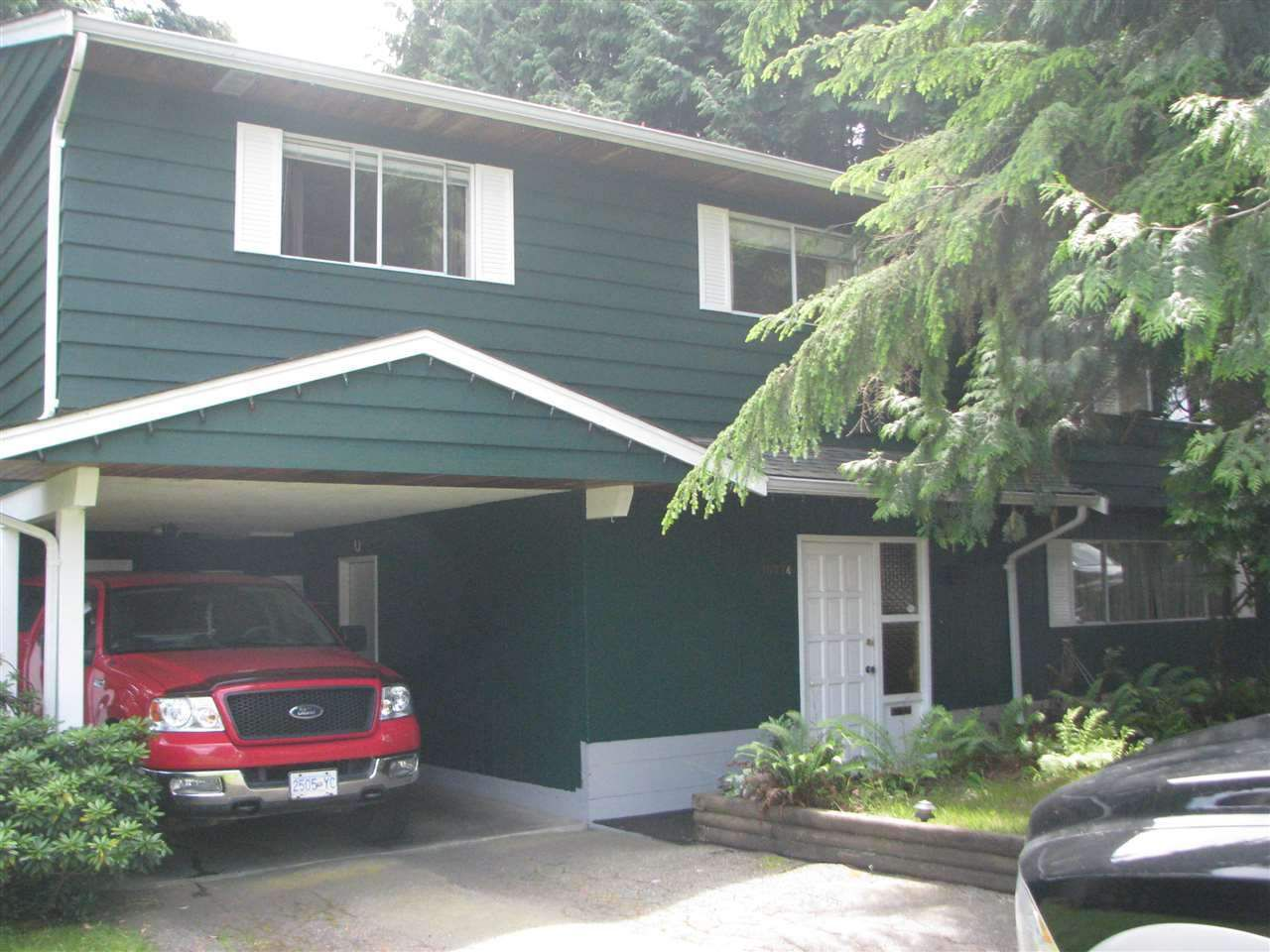 Main Photo: 15774 TULIP Drive in Surrey: King George Corridor House for sale (South Surrey White Rock)  : MLS®# R2223929