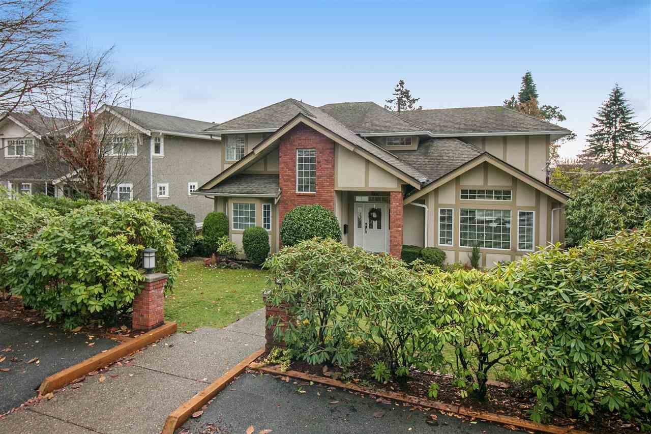 Main Photo: 1866 ESQUIMALT AVENUE in West Vancouver: Ambleside House for sale : MLS®# R2235100