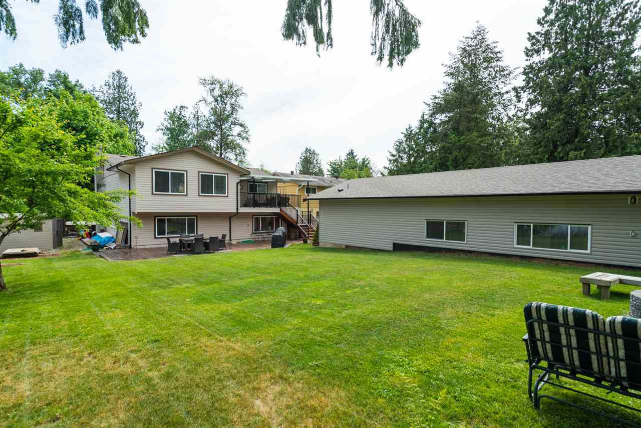 Main Photo: 25035 10 Avenue in Langley: Otter District House for sale : MLS®# R2273287