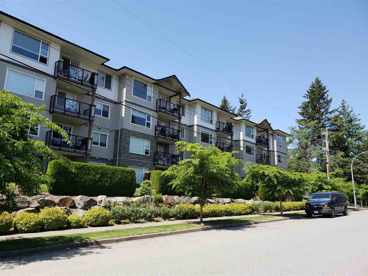 "Main Photo: 112 2990 BOULDER Street in Abbotsford: Abbotsford West Condo for sale in ""Westwood"" : MLS®# R2317154"